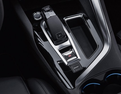 New SUV PEUGEOT 5008: 6-speed EAT6 automatic gearbox