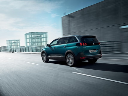 New SUV PEUGEOT 5008: Ready for all journeys