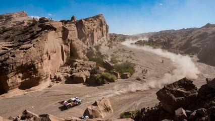 Dakar 2017 – The Peugeot 3008 DKR in the South American desert