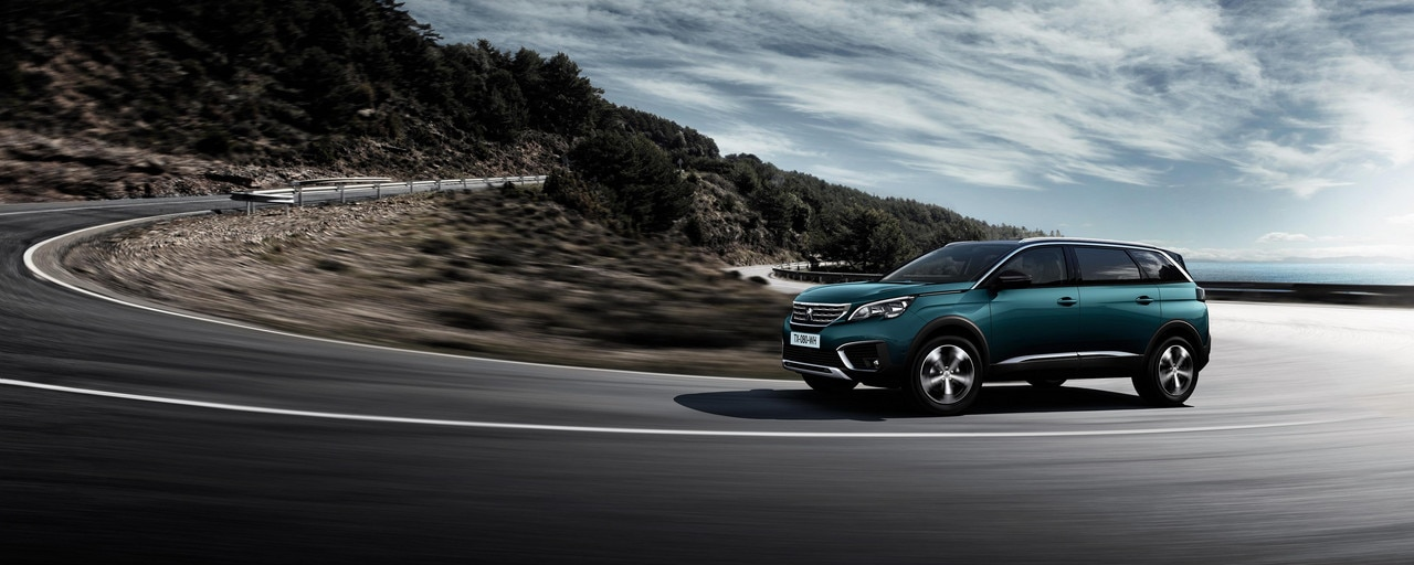 New SUV PEUGEOT 5008: Exceptional road-holding