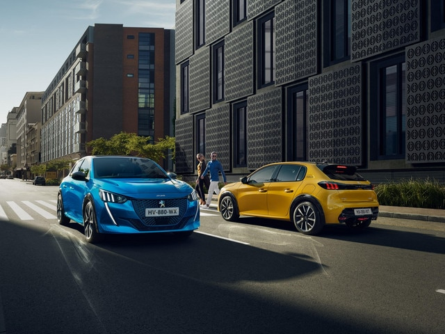 New PEUGEOT 208 & e-208 - Car Of The Year 2020