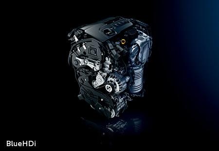 PEUGEOT 3008 HYBRID4 SUV: Diesel engine