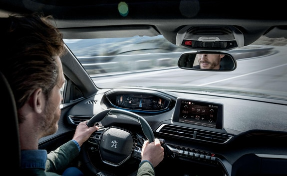 PEUGEOT 3008 HYBRID4 SUV: Driver attention alert