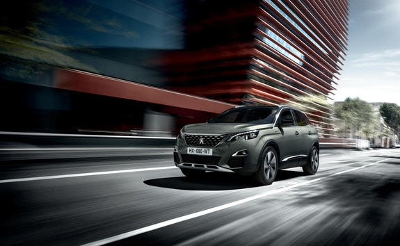 PEUGEOT 3008 SUV: Front side from the left, on the road