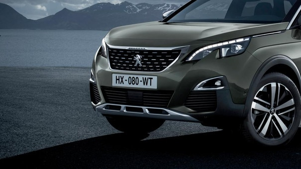 PEUGEOT 3008 SUV: LED front lights