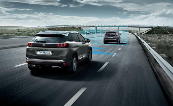 PEUGEOT 3008 SUV HYBRID4 - Drive Assist Plus Pack