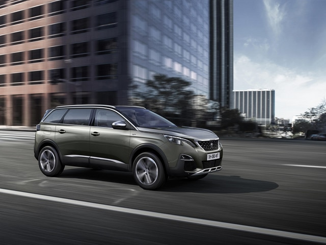 Family-friendly car - New SUV PEUGEOT 5008 GT