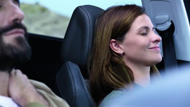 New SUV PEUGEOT 5008: 7 comfortable seats on board