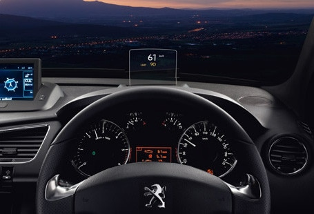 /image/98/5/peugeot_head-up_display1.193985.jpg